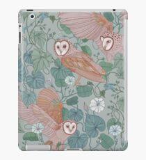 Pink barn owls iPad Case/Skin