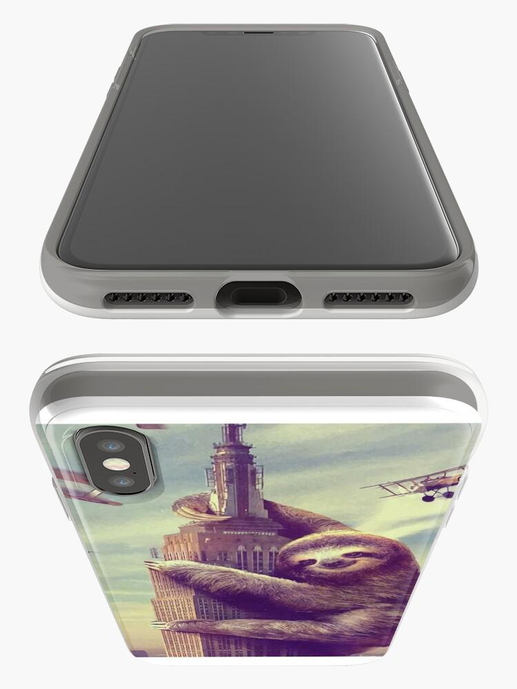 Alternative Ansicht von Trägheit, die das Empire State Building klettert iPhone-Hülle & Cover