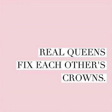 Real Queen arregla las coronas de los demás de alexandrapentel