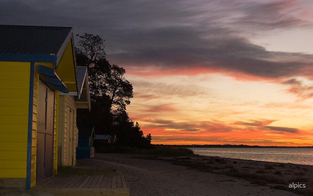 Beach Huts  by alpics