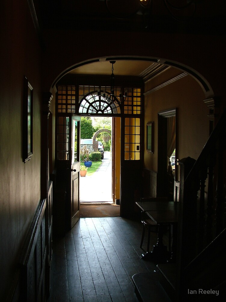 The Gun Inn hall way by Ian Reeley