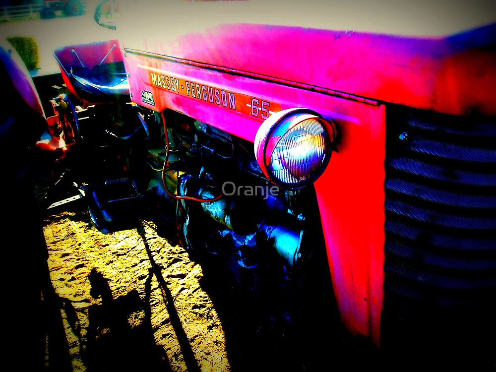 Tractor by Oranje