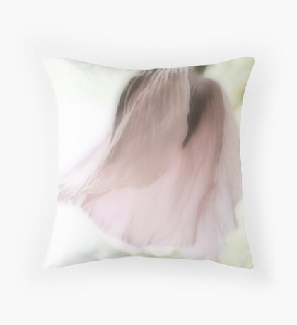 Poppy slumber Throw Pillow