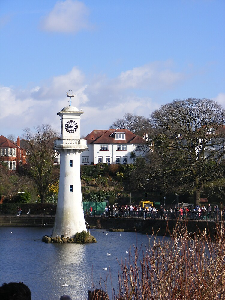 Roathpark Lighthouse  by telle2009