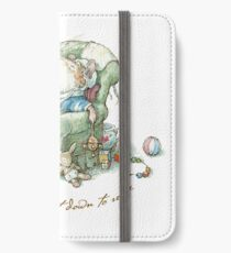 Brambly Hedge - Poppy sat down to rest iPhone Wallet/Case/Skin