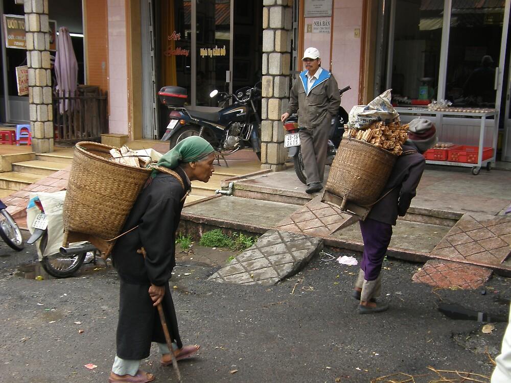 Women Porters Vietnam by raymoore6160