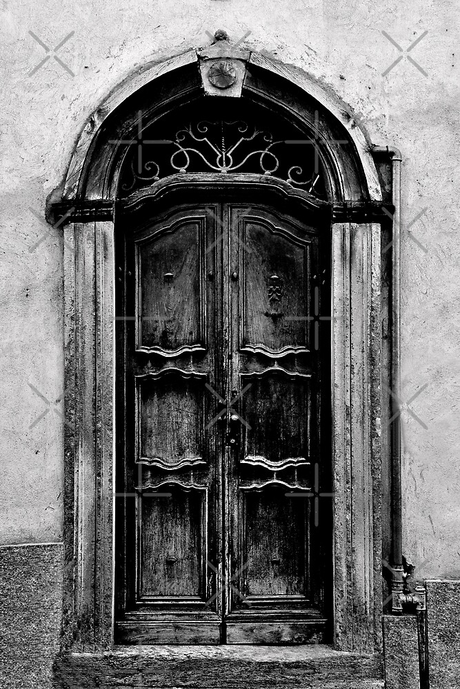 The Door in Black&White by MaluC