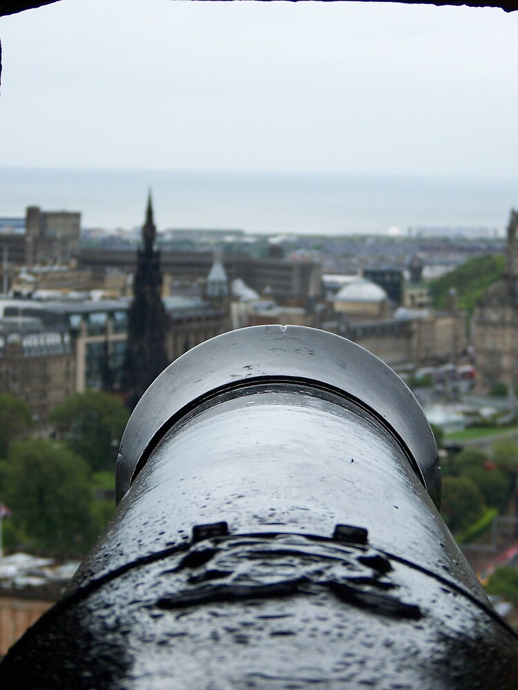 Edinburgh sentry by mipics