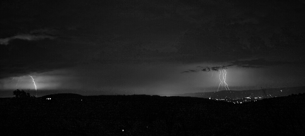 Lightning 2 by GPMPhotography