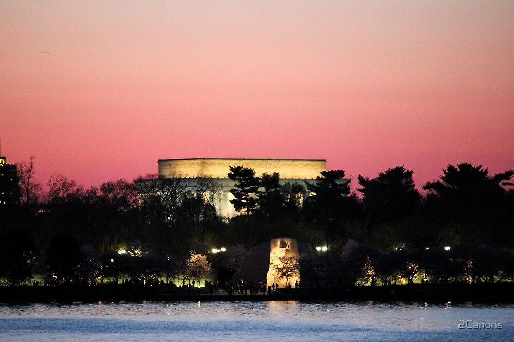 A pink sunset over the Lincoln Memorial by 2Canons
