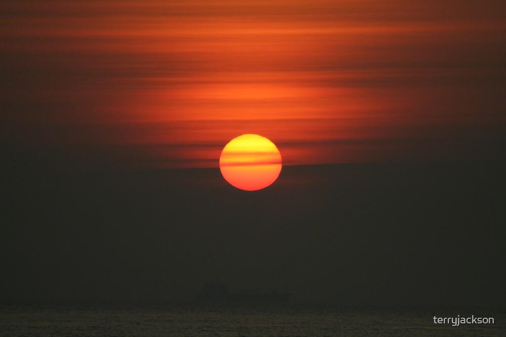 sunrise in cleethorpes by terryjackson