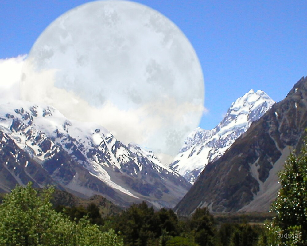 Bad Moon Rises on Mount Cook by judygal