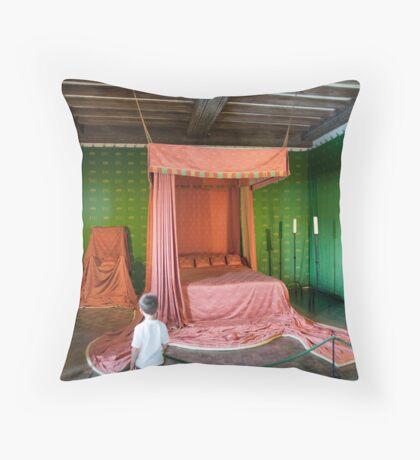 The Queen's Bedroom: Leeds Castle, Kent, UK Throw Pillow