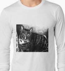 graphic black and white inquisitive kitty Long Sleeve T-Shirt