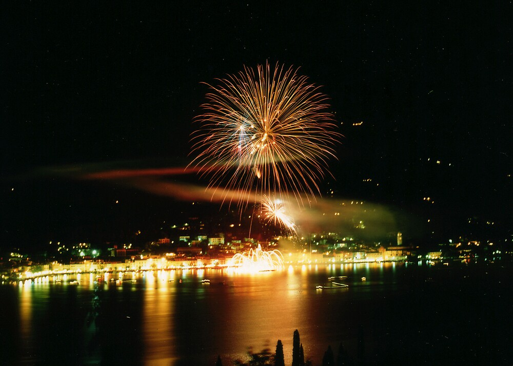 Fireworks in SALO', ITALY by giuseppe maffioli
