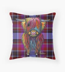 SCoTTiSH HiGHLaND CoW 'TurtaN BRaVeHeaRT' von SHiRLeY MacARTHuR Kissen