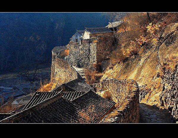 Cuandixia Village by lilyspirit