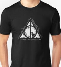 HP Hallows  brenches and stag - voids and sihlouette (white) - wand, cloak, stone Unisex T-Shirt