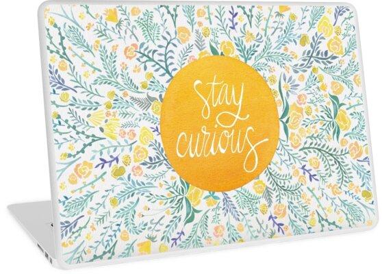 «Quédate curioso - amarillo y verde» de Cat Coquillette