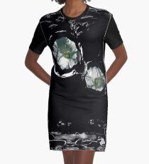Blumen-Träne T-Shirt Kleid