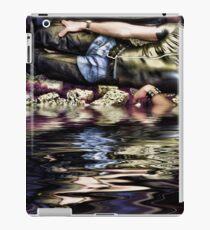 Elbow Soak iPad Case/Skin