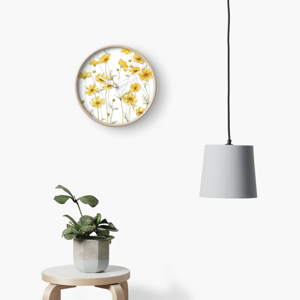 Gelbe Kosmosblumen Uhr