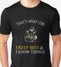That's What I Do I Keep Bees Funny Beekeeper T-Shirt Slim Fit T-Shirt