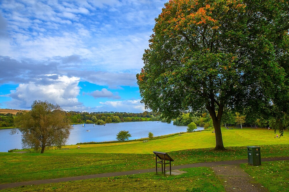 Linlithgow lake & park by FoxTalePhoto