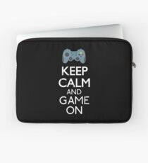 Keep Calm And game on - Funny Gift Laptop Sleeve