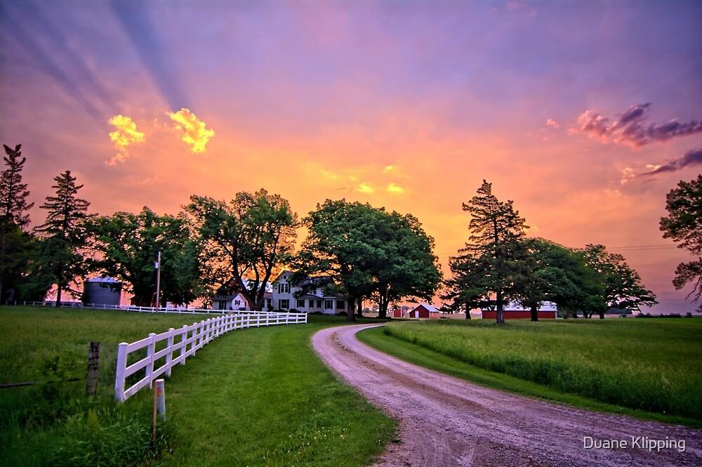 Before Iowa Rains by Duane Klipping