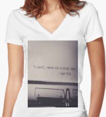OSCAR WILDE Pop Art Women's Fitted V-Neck T-Shirt