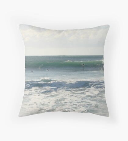 Hey it's my wave! Throw Pillow