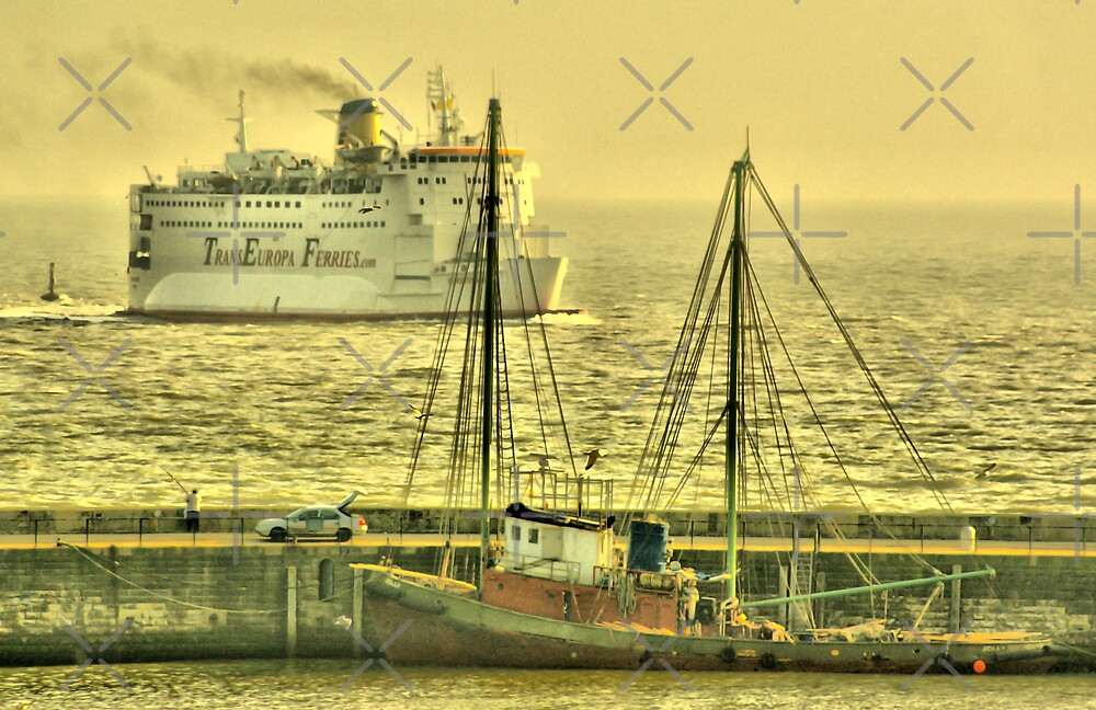 Steam and Sail by Catherine Hamilton-Veal  ©