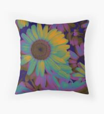 Dasies Throw Pillow