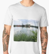 Birds swimming in the Castle Lake Men's Premium T-Shirt