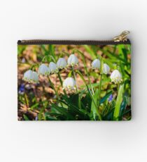 bunch of snowflake flowers Studio Pouch