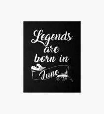 Lámina de exposición Las leyendas nacen en junio