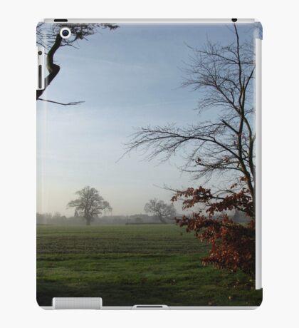 One Misty Morning in Essex iPad-Hülle & Klebefolie
