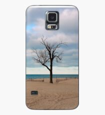 A tree by the lake. Case/Skin for Samsung Galaxy