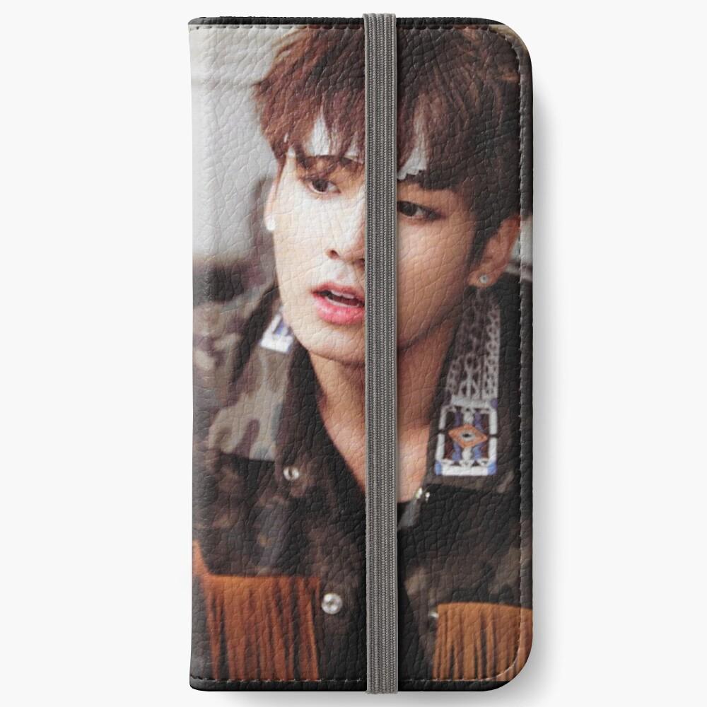 BTS JUNGKOOK iPhone Flip-Case