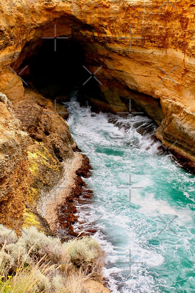 Thunder Cave, Great Ocean Road, Australia by Cindy Ritchie