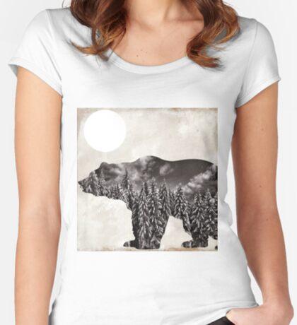 Going Wild Bear Women's Fitted Scoop T-Shirt