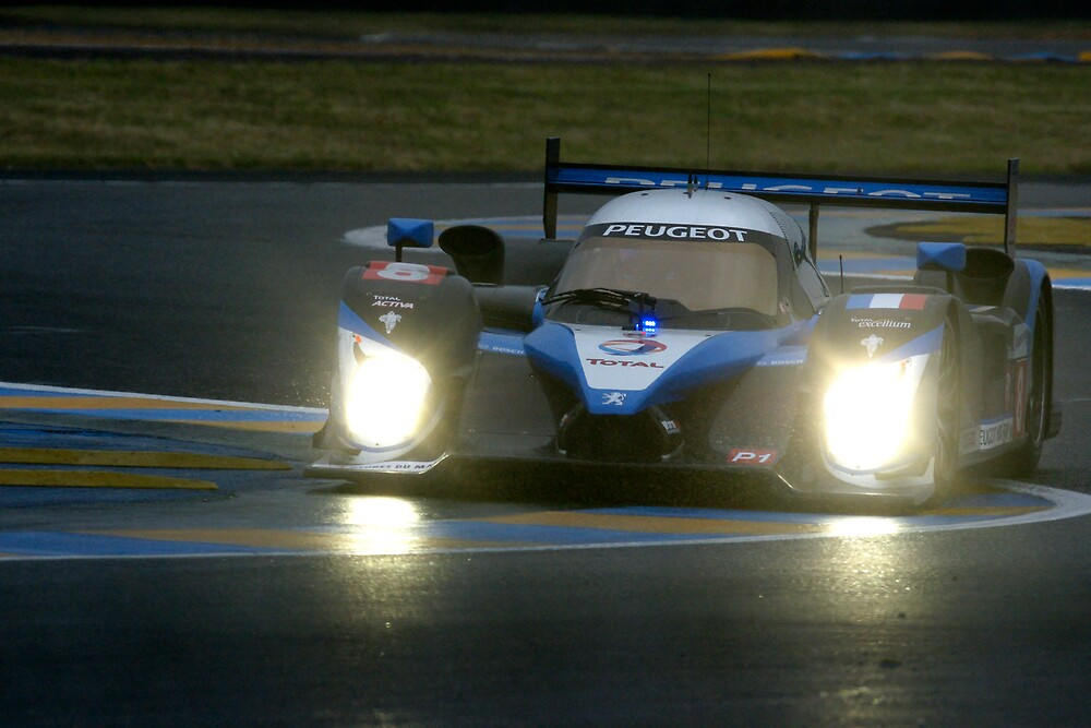 Le Mans 2009 by night: Peugeot 908 by Yves Roumazeilles