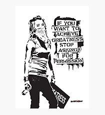 Banksy-Zitat-Graffiti Wenn Sie Größe erreichen möchten, hören Sie mit der Banksy-Tag-Signatur nach Erlaubnis auf Fotodruck