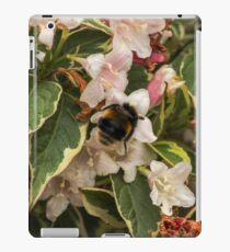 Bumble in the Flowers iPad Case/Skin