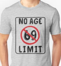 No Age Limit 59th Birthday Gifts Funny B-day for 59 Year Old Slim Fit T-Shirt