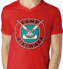 Camiseta de cuello en V Camp Kikiwaka - Bunk'd - fondo rojo