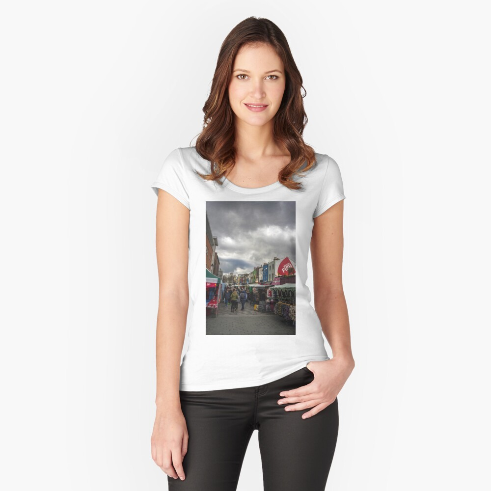 camden town Fitted Scoop T-Shirt