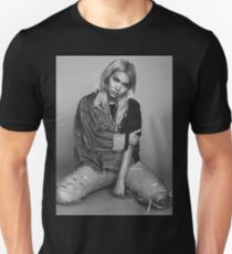 Hayley Kiyoko photo  Unisex T-Shirt