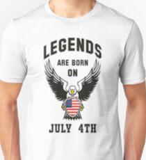 Legenden werden am 4. Juli geboren Slim Fit T-Shirt
